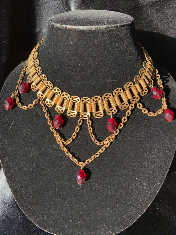 Antique Chain link Necklace with red beads