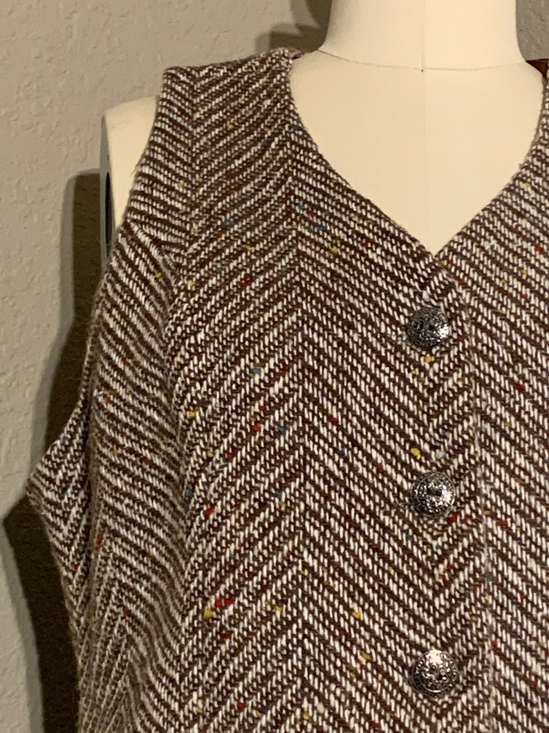 1960/'s Brown /& White Herringbone Tweed Vest with Multi-Color Flecks Silver-Tone Buttons Lined Byer California Vintage Medium Large M L