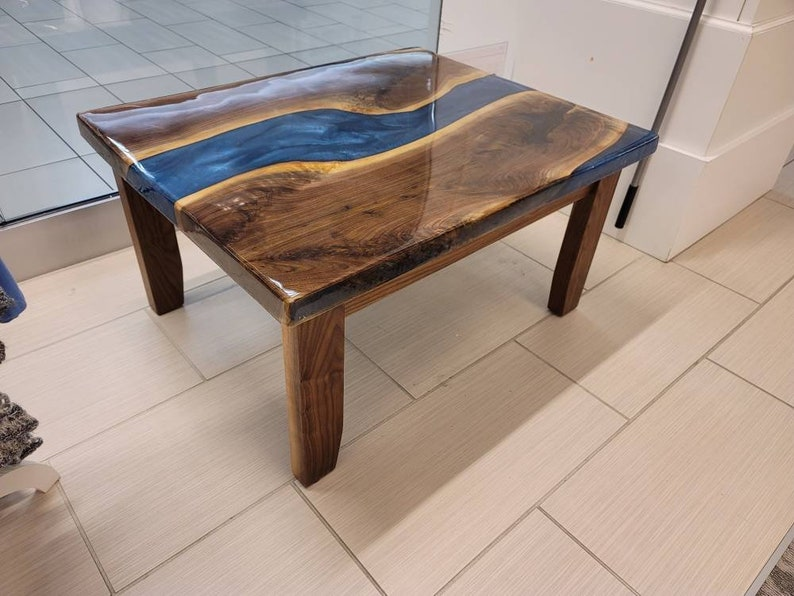 Poured Epoxy Resin Tabletop