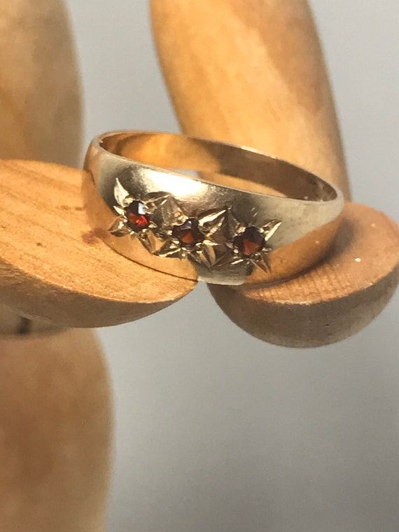 9ct solid gold vintage 1970's star ring Size Q fin