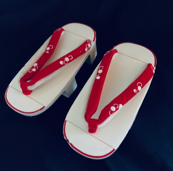 Vintage Japanese Wooden Lacquer Geisha Sandals Sho