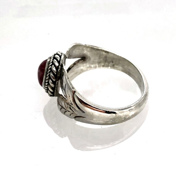 Sterling silver ring with cabochon Ruby - image 3