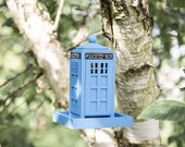 Hanging Blue Police Telephone Box Bird Seed Feeders For Wild Birds Novelty Bird Table Feeding Station Tree Garden Decoration