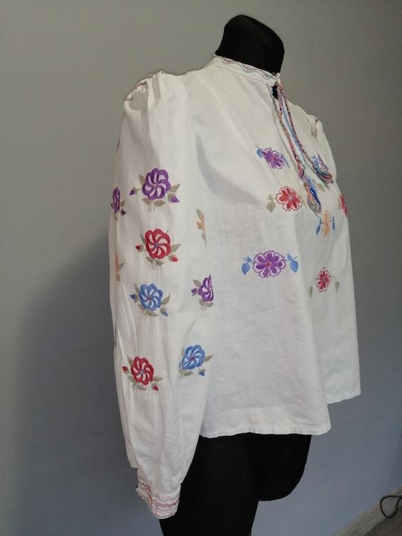 Vintage folk blouse, ukrainian vyshyvanka dress, h