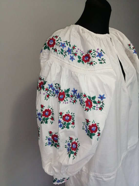 Vyshyvanka vintage Embroidered dress Ukraine Embro