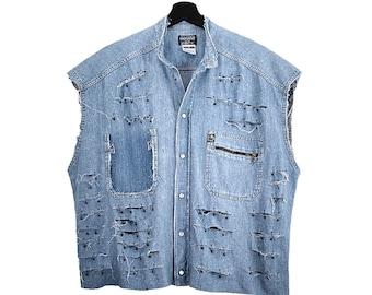 Americanino (L) Vintage 90s Custom | Crop top shirt, sleeveless, pocket, clasp closure, frayed with metal appliqués.