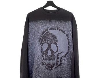 Kalafaker (XXL) Custom | Black sweatshirt, long sleeves, round neck, printed in white woodcut.