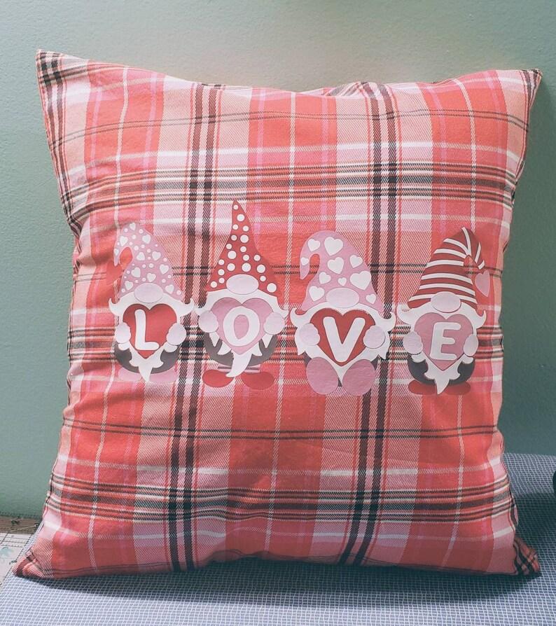 Love /& Gnomes