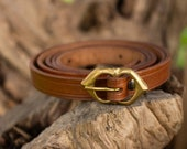 Medieval leather belt measure, basic accesory for Larp or cosplay. Medieval belt in leather red, black and brown color