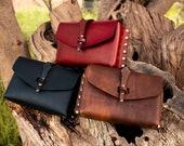 Larp belt pouch, Leather medieval bag for a Larp or steampunk cosplay. Perfect for new players. In black, red and brown.