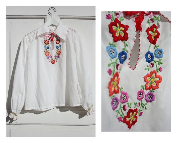 Vintage Folk Embroidered Blouse S/M • 70s Top • Bo