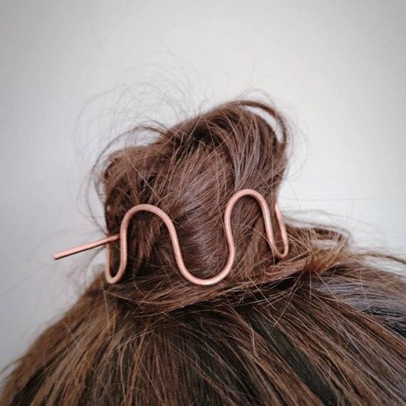 Copper bun holder, Wiggle hair pin, Hair bun Cage, Copper hair accessory, Squiggle hair clip, Modern hair stick, Hair jewellery