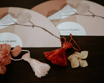 10 wedding paper fans customizable with names and date. Customizable with colored cotton tassels