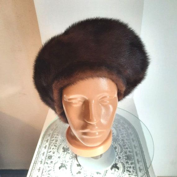 Beret from mink fur.Women's Classic Beret from Min