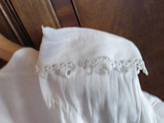 Antique Edwardian Lace Trimmed Women's Blouse - image 9