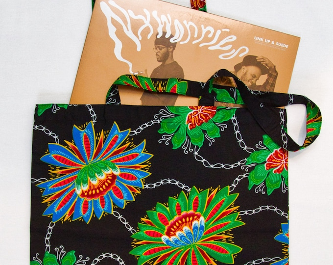 Featured listing image: FLOWER CHAIN - Tote Bag / Reusable Grocery Bag / Weekend tote bag / Beach bag