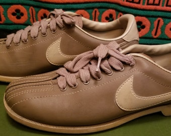 Details about Vintage Women's Nike Bowling Shoes 9