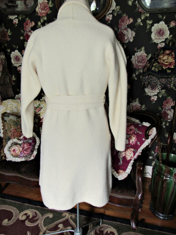 Cottagecore Cozy Vintage Soft Ivory Lambswool Ang… - image 4