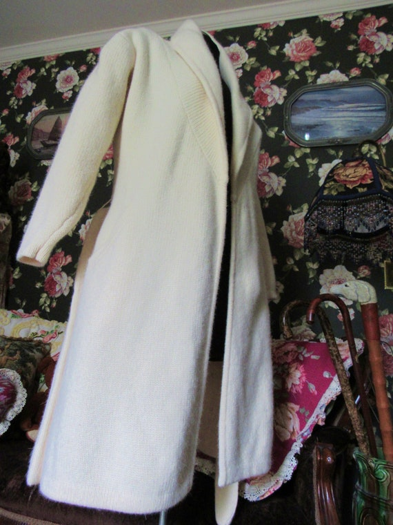 Cottagecore Cozy Vintage Soft Ivory Lambswool Ang… - image 7