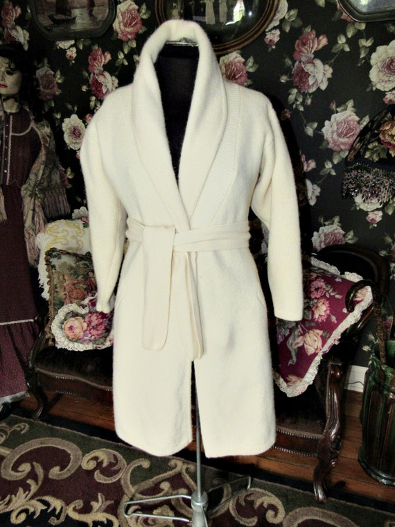Cottagecore Cozy Vintage Soft Ivory Lambswool Ang… - image 2