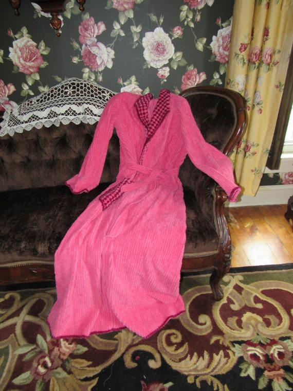 Fabulous Pinup Pink 1940s CrownTuft Robe Vintage C