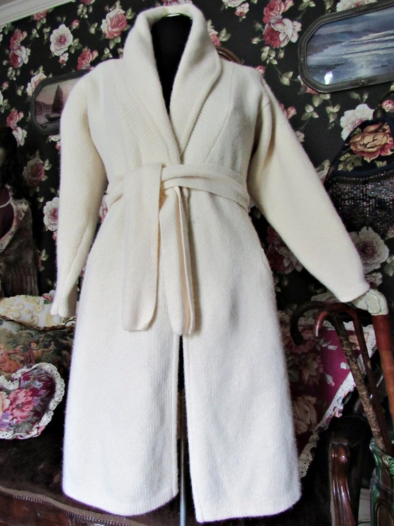 Cottagecore Cozy Vintage Soft Ivory Lambswool Ang… - image 6
