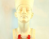 Necklace with bamboo coral and mother-of-pearl