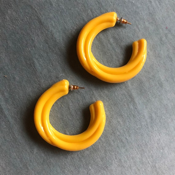 "Vintage 1980s Yellow Acrylic Hoops - ""GOLDEN STRAN"
