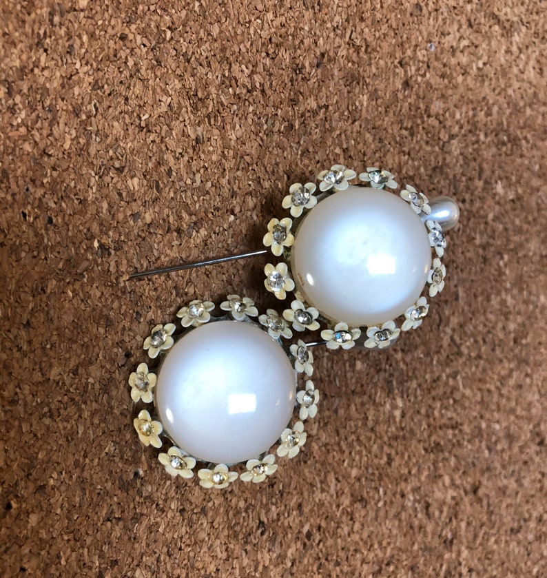 Vintage Midcentury Round Pearl White Earrings with Tiny White Flower and Rhinestone Detail
