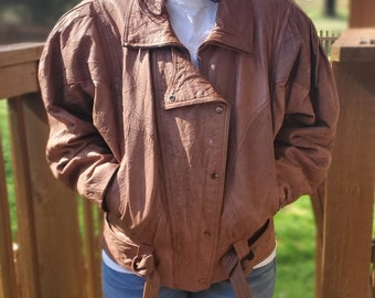Medium large vintage 90\u2019s Pelle Studio lavender leather crop top #188