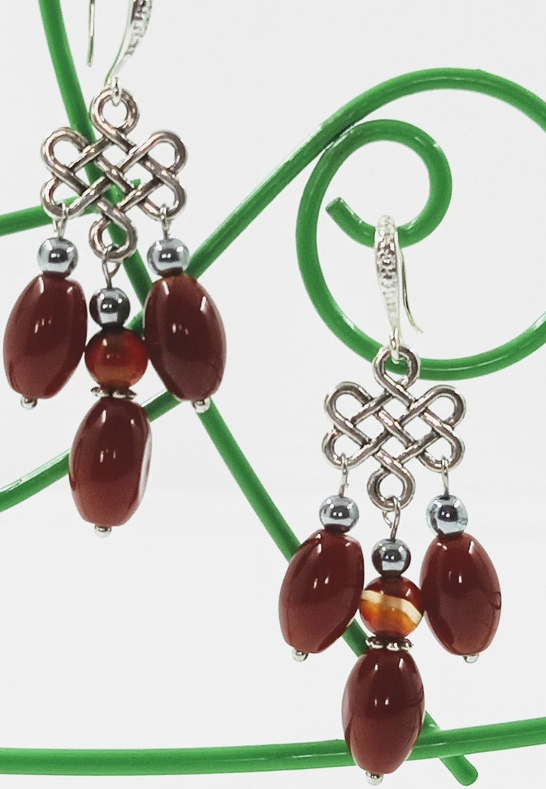 Beaded earrings with natural stones