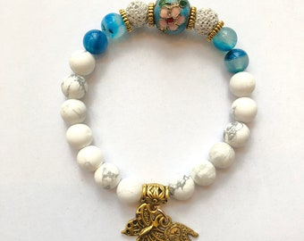 G- Women's bracelet, partitioned pearl, lava beads, agate, Howlite beads, Khamsa hand charm and butterfly, yoga, diff. essential oil