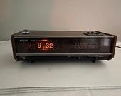 Working Vintage Midland FM AM Solid State Flip Dial Alarm Clock Radio