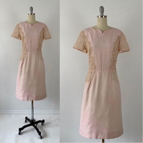 Vintage 50s Wiggle Dress // 1950s Champagne Nude V
