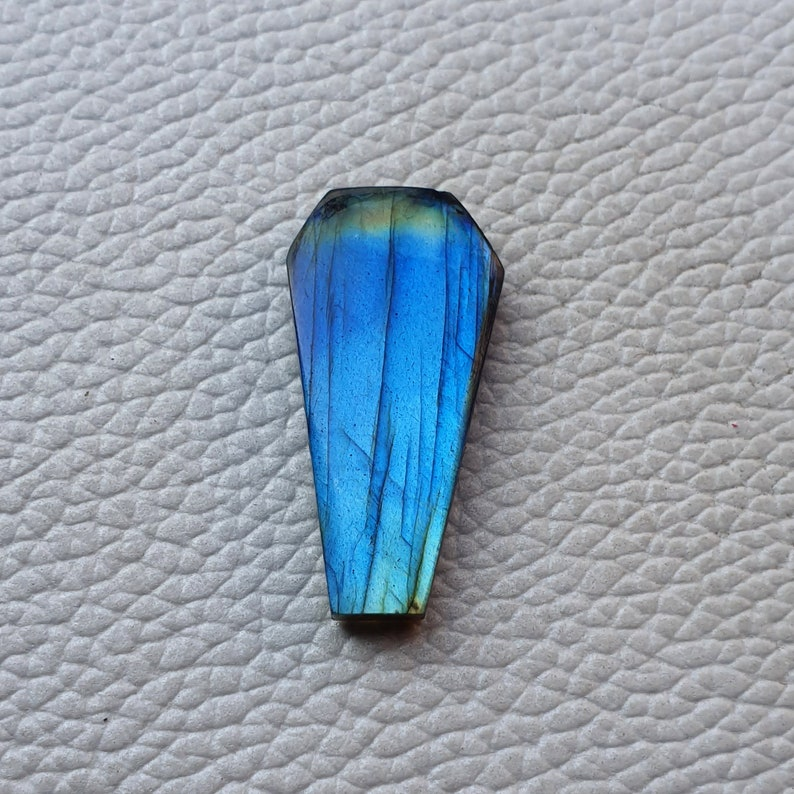 AAA Labradorite Coffin Cabochon Labradorite Stone Blue Labradorite Polished Stone Healing Crystal Smooth Coffin Shape Labradorite 31x16x5MM