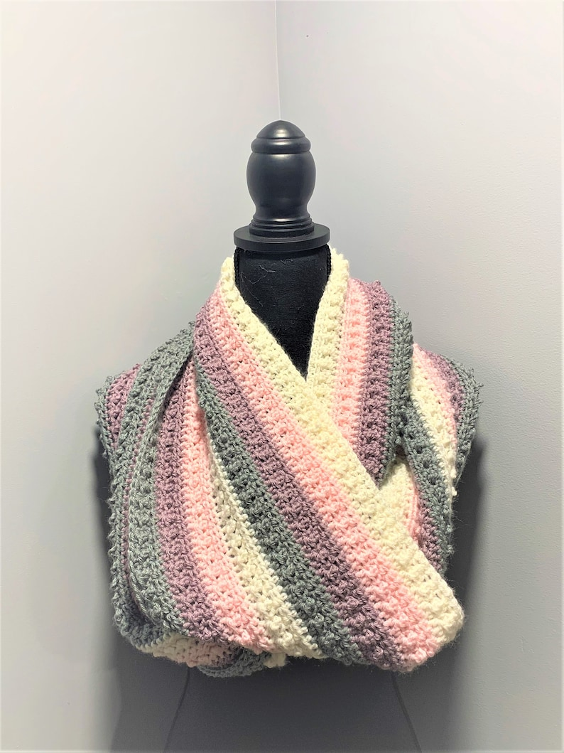 Pearl Infinity Cowl PATTERN image 0