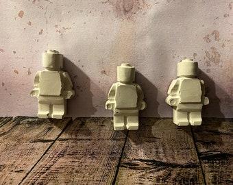 3 Concrete Legomännchen as Magnet Lego Concrete Magnet
