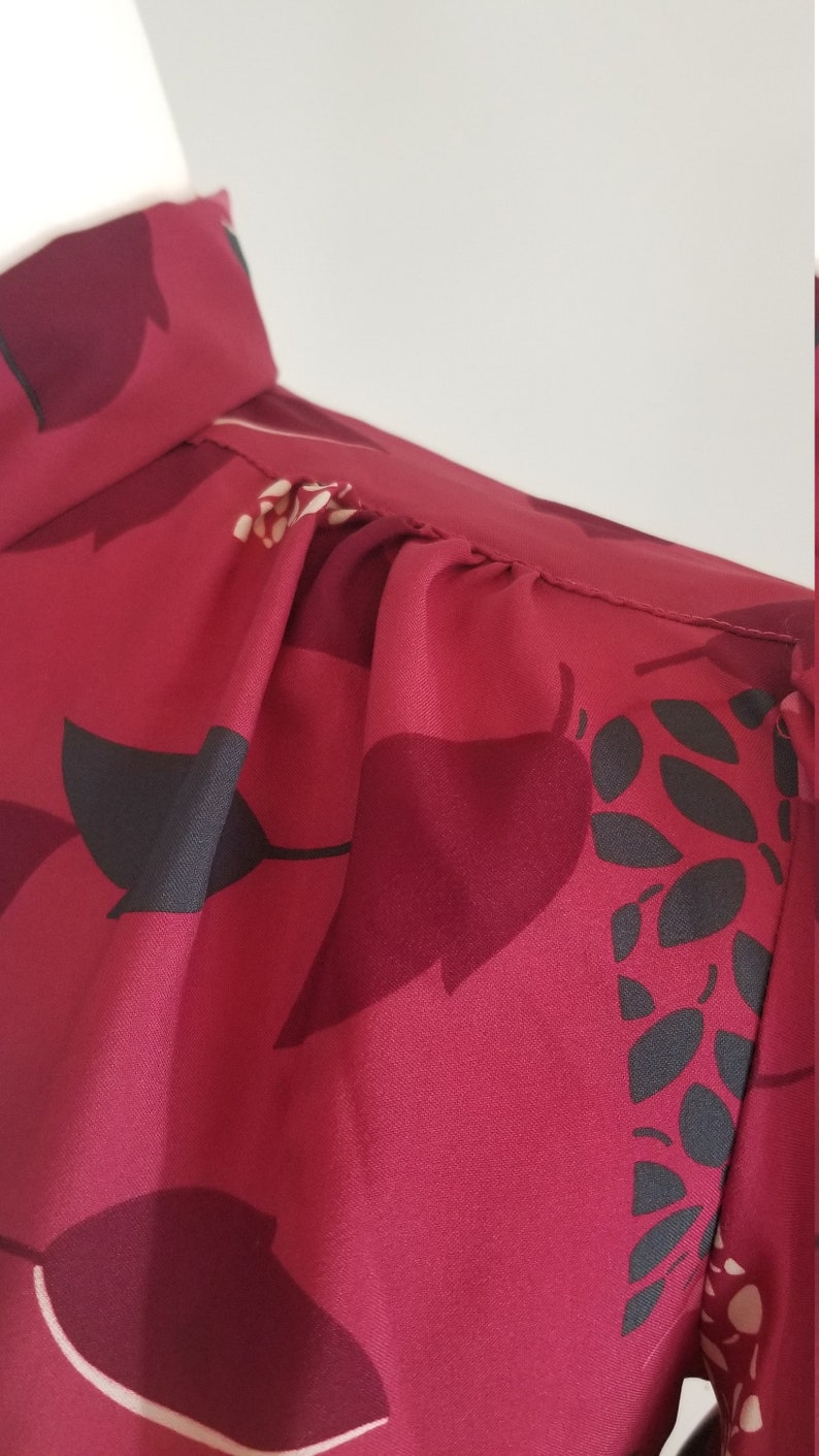 Black Size Medium and White Floral Pykettes Blouse 80s Red
