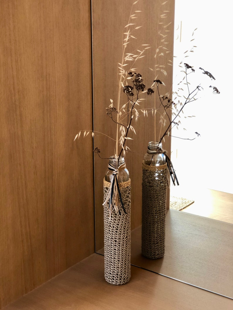 Soliflore long-haired A CAMPAGNE dressed in polished linen and raffia vase
