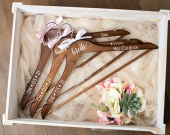 Personalized Wooden Hangers with Ribbon, Custom Hangers, Bridesmaid gifts, Wedding Party gifts, Wedding Dress Hanger with Ribbon