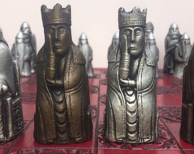 Beautiful Lewis Chess set - Lewis Chessmen With Rare Berserker Pawns in an Old Chess Antique  Effect (V2) (Chess pieces only)