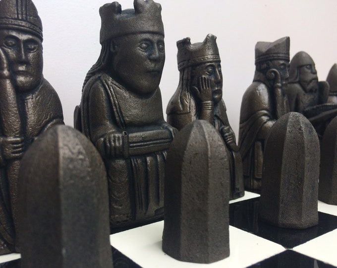 Isle of Lewis Chess Set - Lewis Chessmen - Old Heritage Chess Set - Antique Bronze & Pewter effect Historical Chess (V2) (Chess pieces only)