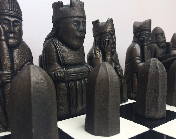 Isle of Lewis Chess Set. Old Chess Set Antique Bronze & Pewter effect (V2) (Chess pieces only)