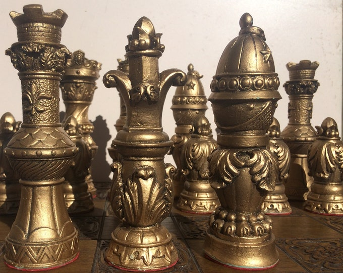 Large Chess set. Antique Effect, Ornate Staunton Chess set with Felt Bases (Chess pieces only)