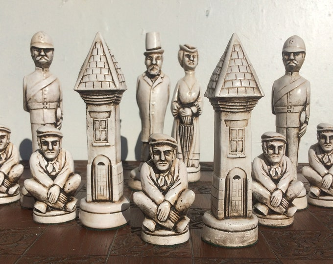 London Town Chess Set - Antique White and Old Gold aged effect -Large Ornamental Chess Set. (Chess pieces only)