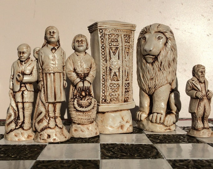 The Lion, The Witch and The Wardrobe Chess Set in Antique White and Soft Gold Effect (Chess Pieces Only)