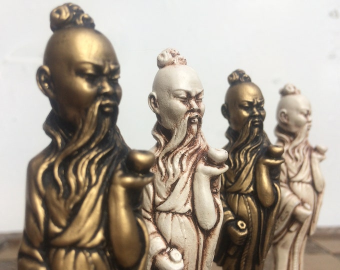 The Mikado Themed Chess Set. Carved Ornamental Chess set in Antique White & Gold Metallic Effect. (Chess Pieces Only)