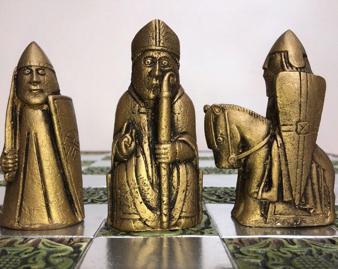 Classic Lewis Chess set in Old Chess Antique Gold & Silver Effect (V1)  (Chess pieces only)