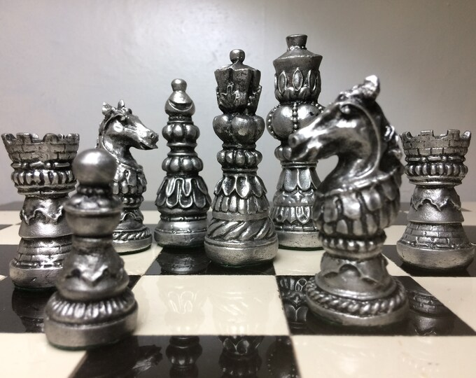 Beautiful Ornate Staunton Chess Set in Antique Silver & Gold Metallic Effect (Chess Pieces Only)