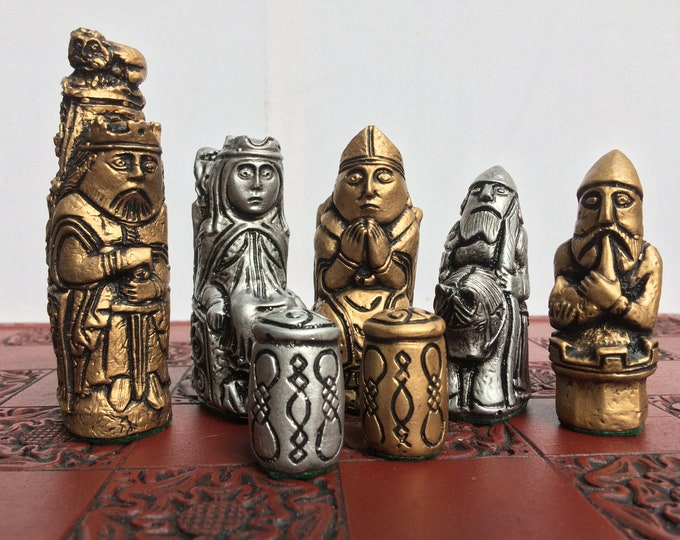 The Leipzig chess set - 14th Century Medieval German Design - Beautifully Rendered in Gold & Metallic Silver - Chess Pieces Only